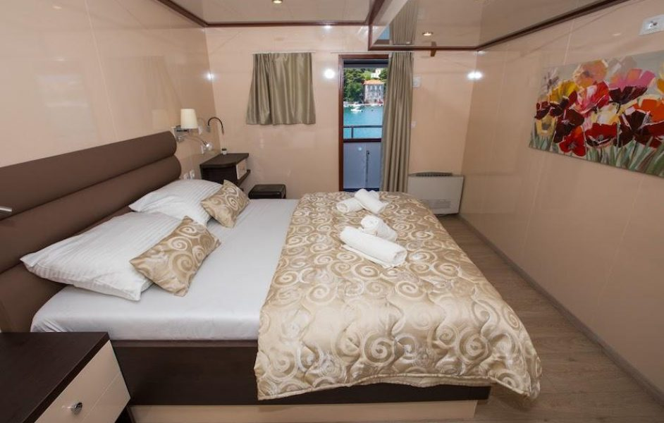cabin charter dubrovnik double
